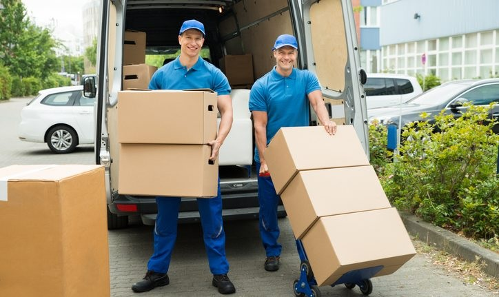 Benefits of taking the services of moving companies