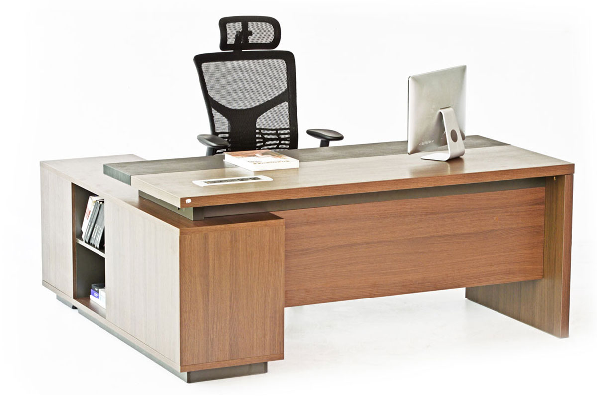 Executive desks define the status of the user